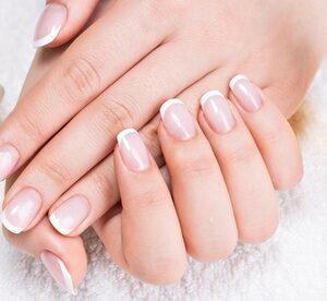 Nail Extensions with Nail Varnish